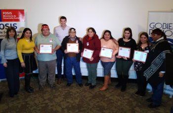 "Certifican a 51 usuarias del programa ""Microempresa Urbana Mapuche"""
