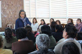 Seremi Andrea Obrador realizó un taller de violencia intrafamiliar para mujeres