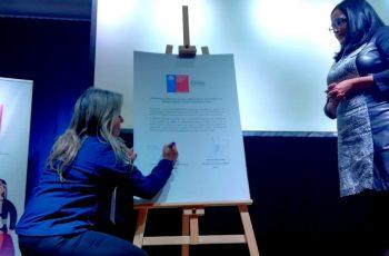 Seremi de Ñuble firma convenio que crea la primera asociación gremial de Ñuble integrada sólo por emprendedoras