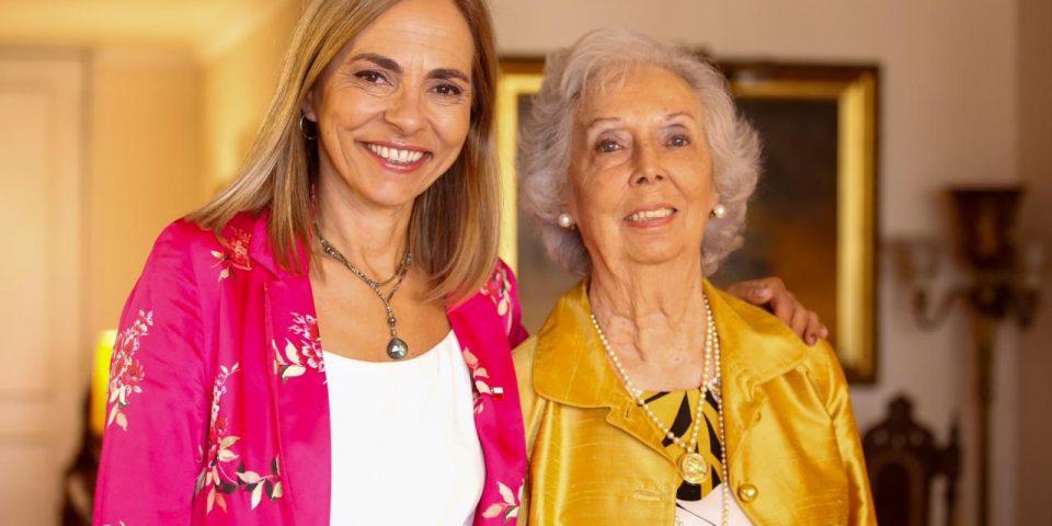 Ministra junto a Ligia W