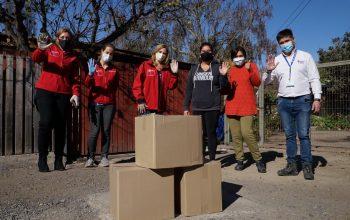 Ministra de la Mujer entrega primeras cajas de alimentos a jefas de hogar de Buin