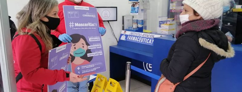 """En farmacias de San Carlos difunden plan """"Mascarilla 19"""" para ayudar a mujeres en riesgo de violencia"""
