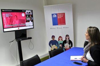 Emprendedoras de Los Ríos aprenden cómo digitalizar sus negocios