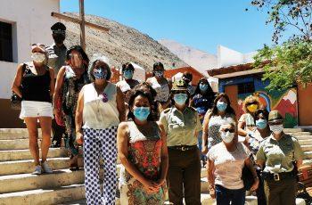 Con Conversatorios Móviles, Carabineros y SernamEG buscan formar embajadores comunitarios contra la violencia de género