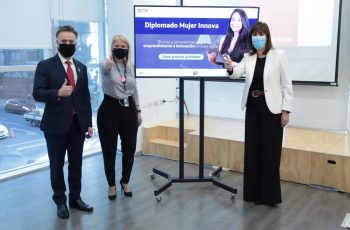 Lanzan 450 cupos gratuitos para diplomados en tecnología e innovación enfocados en mujeres