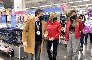 En supermercado porteño Seremi de la Mujer y de Gobierno lanzan campaña informativa contra la violencia de la mujer